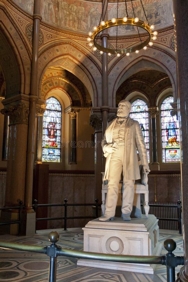 Estatua de James A. Garfield en su monumento imágenes de archivo libres de regalías