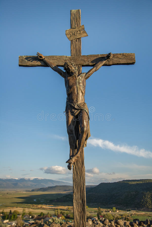 Estatua de Jesús en la cruz fotos de archivo libres de regalías