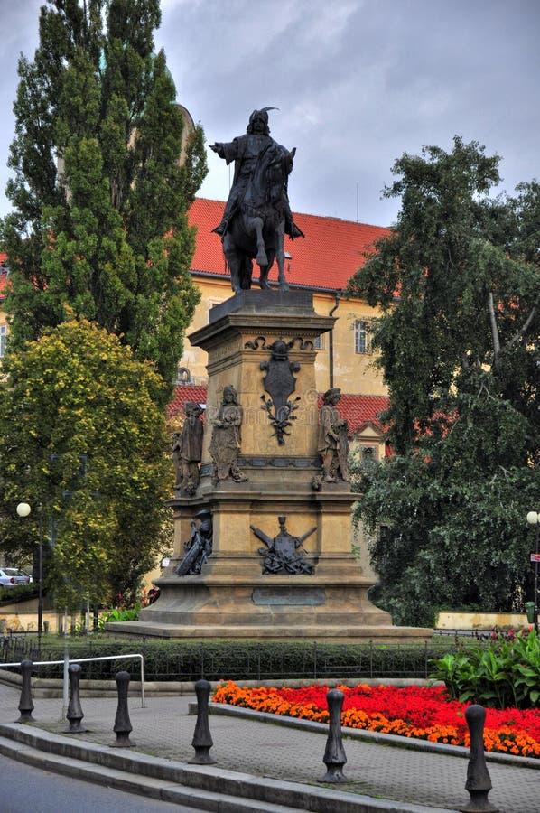 Download Estatua de Jiri z Podebrad foto de archivo. Imagen de antigüedad - 44853730