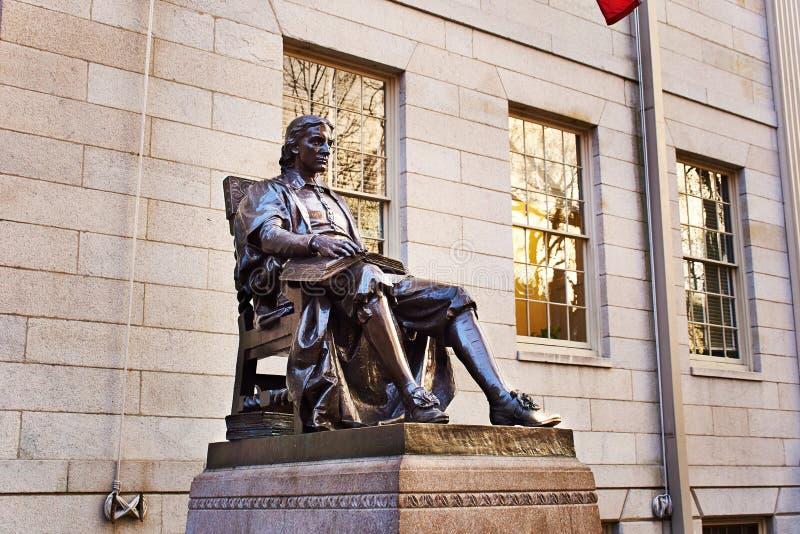 Estatua de John Harvard fotografía de archivo libre de regalías