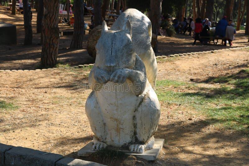 Estatua de la ardilla en Estambul, Turquía foto de archivo