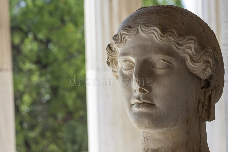 Estatua de la diosa griega Nike imagenes de archivo