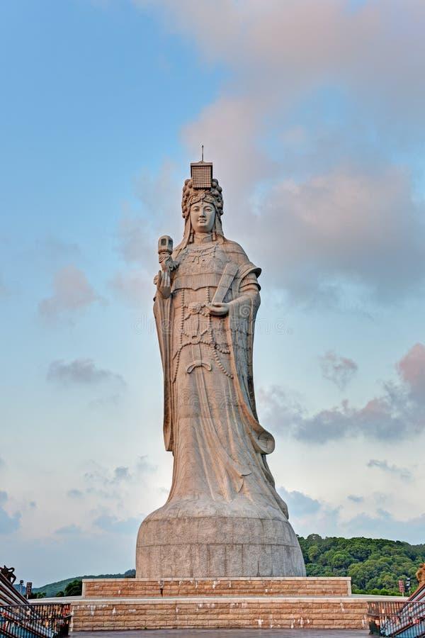 Estatua de la diosa Mazu del mar imagenes de archivo