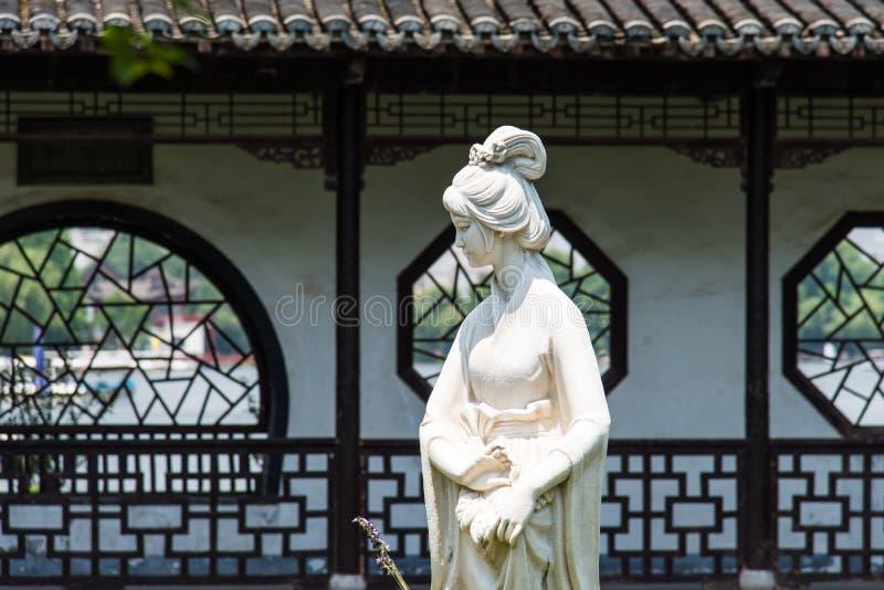 Estatua de la hembra de Mochou fotografía de archivo libre de regalías