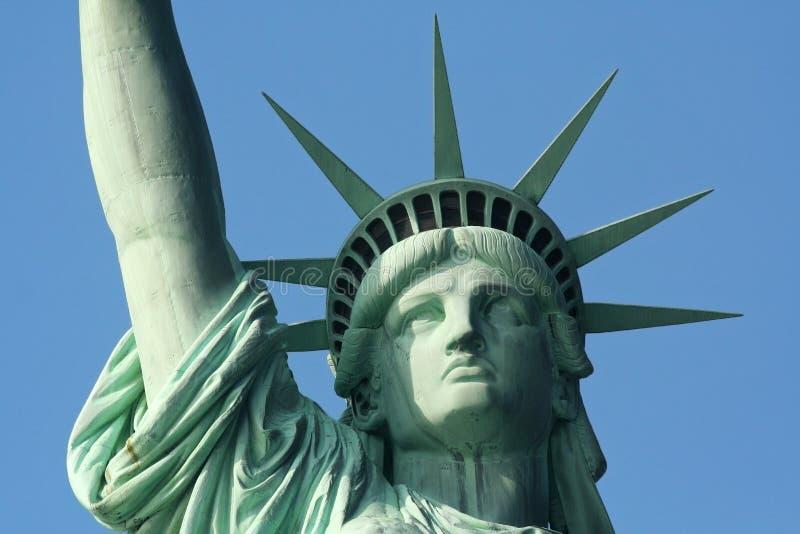Estatua de la libertad del cierre para arriba imagen de archivo