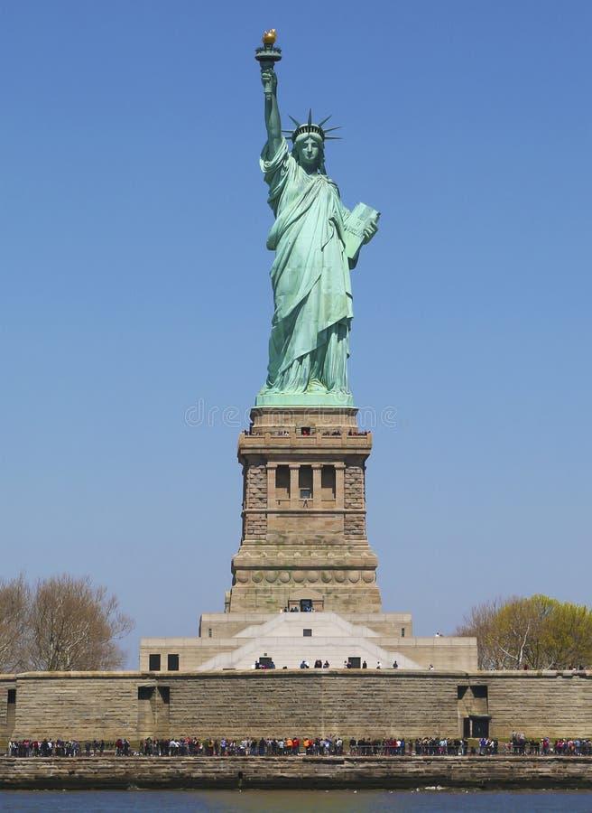 Estatua de la libertad entera del frente foto de archivo