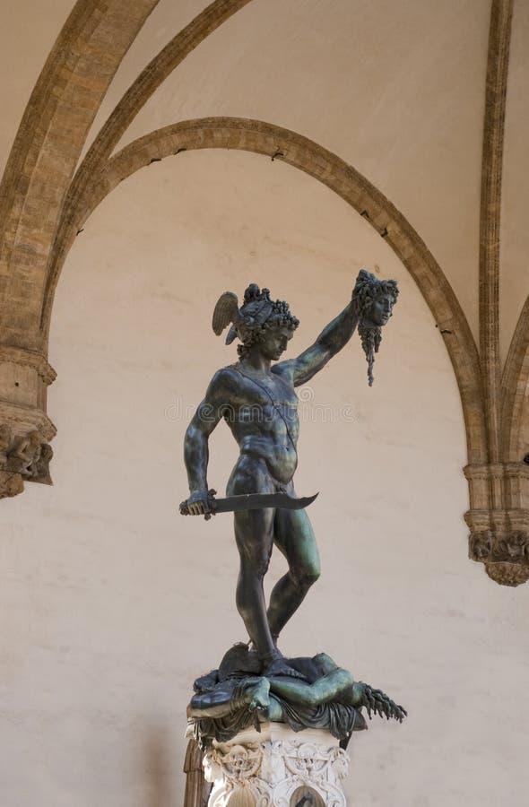 Estatua de la medusa del slaying de Perseus en Firenze fotografía de archivo