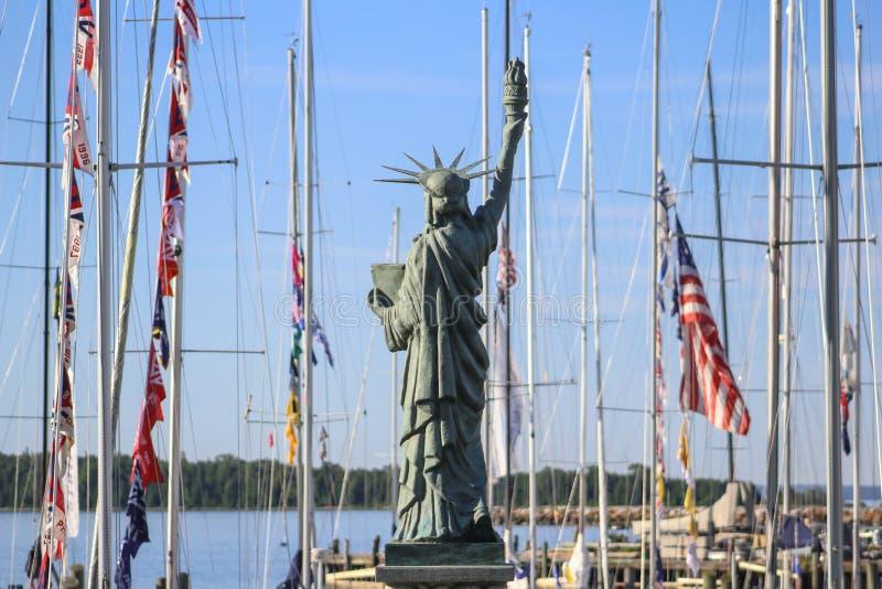 Estatua de la reproducción de la libertad; Isla de Mackinac; El lago Hurón; Michigan fotos de archivo libres de regalías
