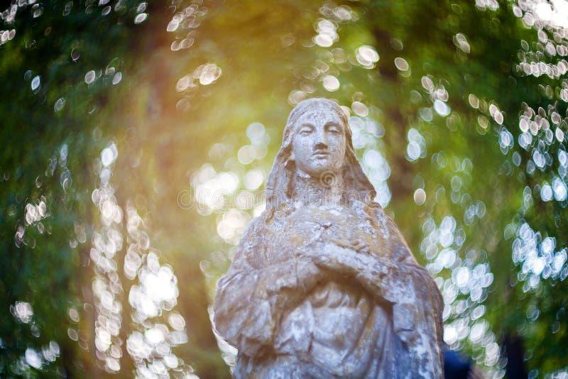 Estatua de la Virgen Maria fotografía de archivo libre de regalías