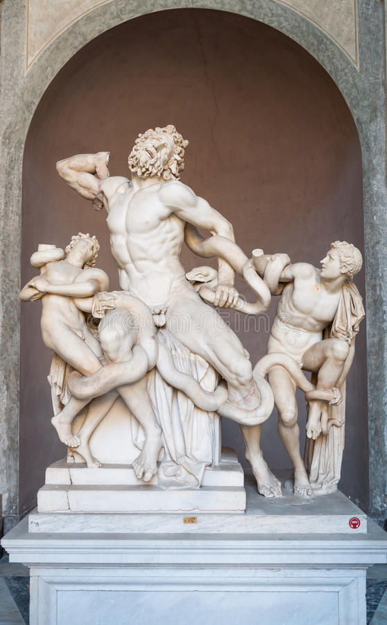 Estatua de Laocoon y sus hijos en museo del Vaticano foto de archivo libre de regalías