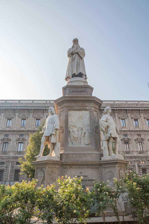 Estatua de Leonardo Da Vinci fotos de archivo libres de regalías