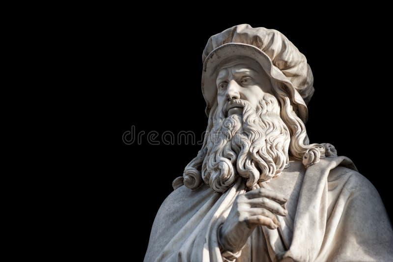 Estatua de Leonardo Da Vinci en fondo negro fotos de archivo libres de regalías