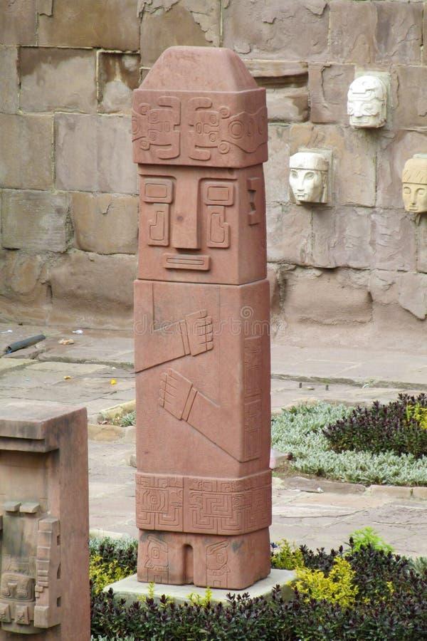 Estatua de los ídolos de Tiwanaku fotos de archivo