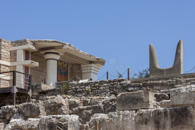 Estatua de los cuernos de toros en el palacio de Knossos Minoan fotografía de archivo