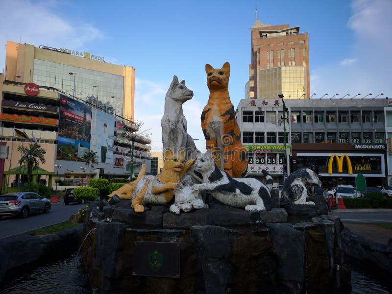 Estatua de los gatos en la ciudad de Kuching fotos de archivo libres de regalías