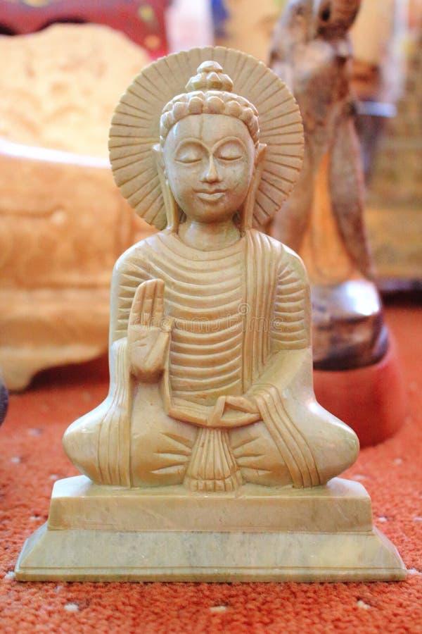 Estatua de mármol de Buda imágenes de archivo libres de regalías