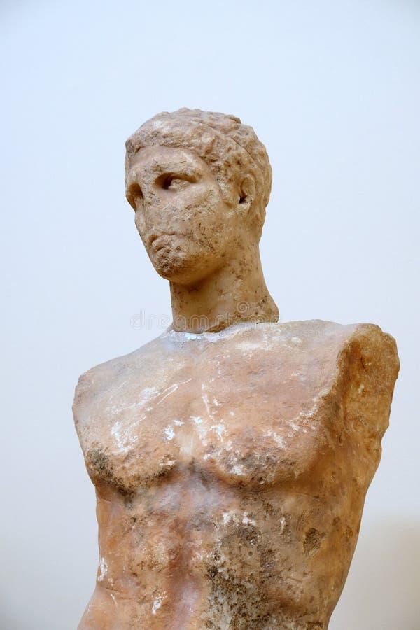 Estatua de mármol del griego clásico, Delphi Museum, Grecia imagenes de archivo
