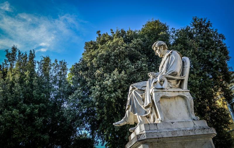 Estatua de mármol de Rossi en Carrara imagen de archivo libre de regalías