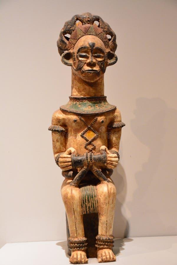 Estatua de madera fotografía de archivo