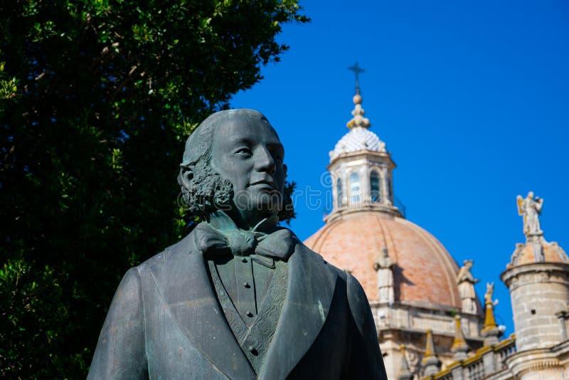 Estatua de Manuel Maria Gonzalez Angel Estatua de Tio Pepe imágenes de archivo libres de regalías