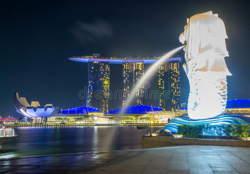 Estatua de Merlion en Singapur imagenes de archivo