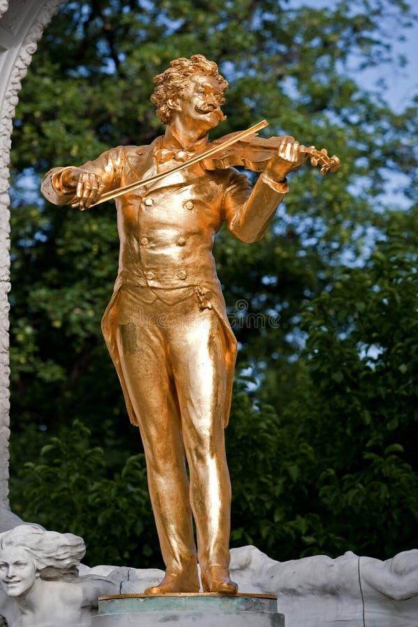 Estatua de Mozart imagenes de archivo