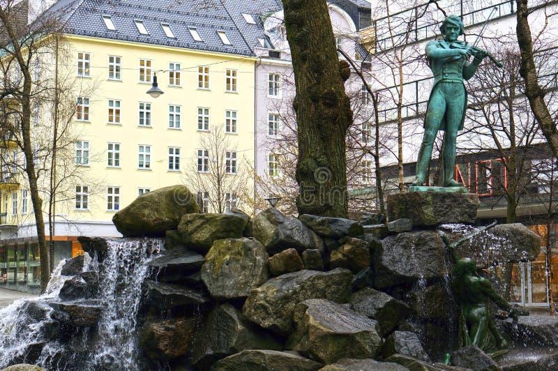 Estatua de Ole Bull en Bergen, Noruega fotografía de archivo