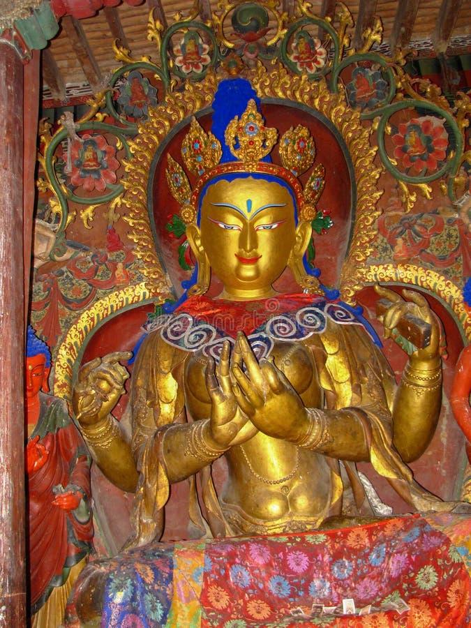 Estatua de oro de Buda en el monasterio de Palcho, Tíbet, China foto de archivo libre de regalías