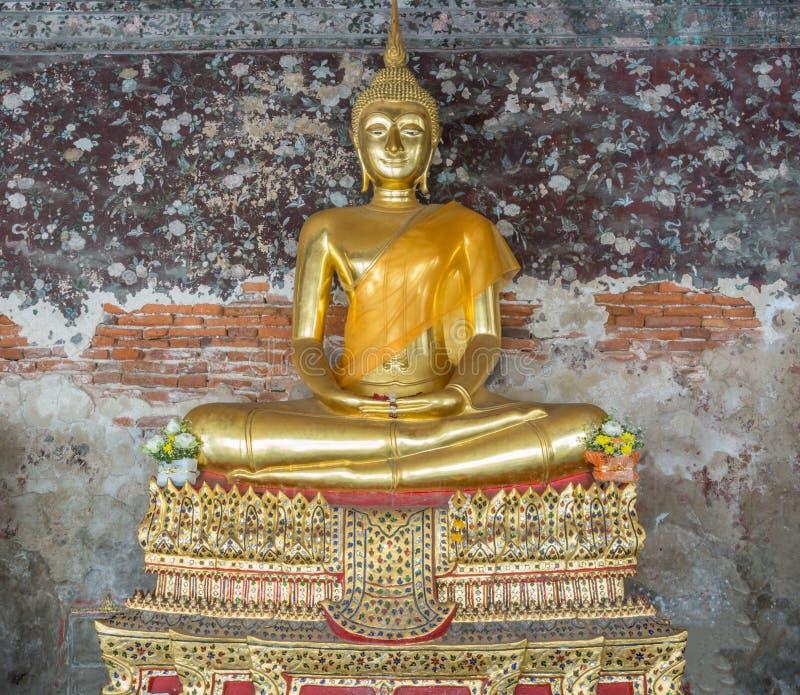 Download Estatua De Oro De Buda En Tailandia Foto de archivo - Imagen de antiguo, asia: 42439018
