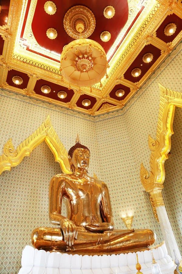 Estatua de oro de Buda en Wat Traimit en Bangkok fotografía de archivo libre de regalías