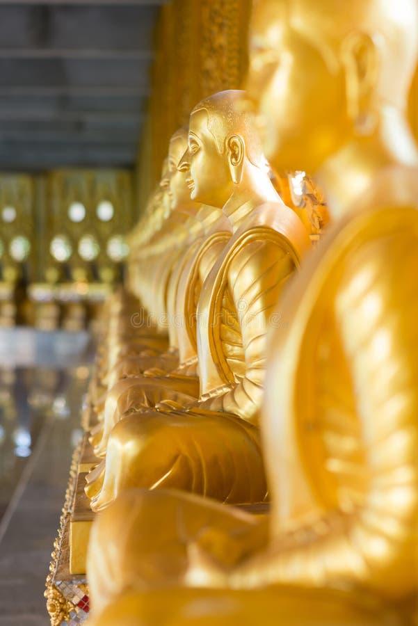 Estatua de oro de buddha fotos de archivo libres de regalías