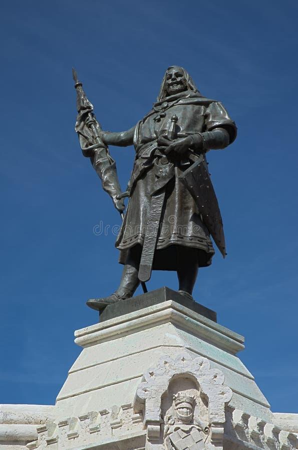 Estatua de Pedro Ansurez de la cuenta fotografía de archivo