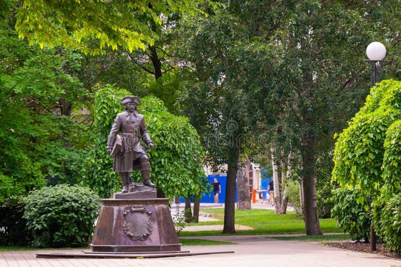 Estatua de Peter el grande en el terraplén de Rostov On Don foto de archivo