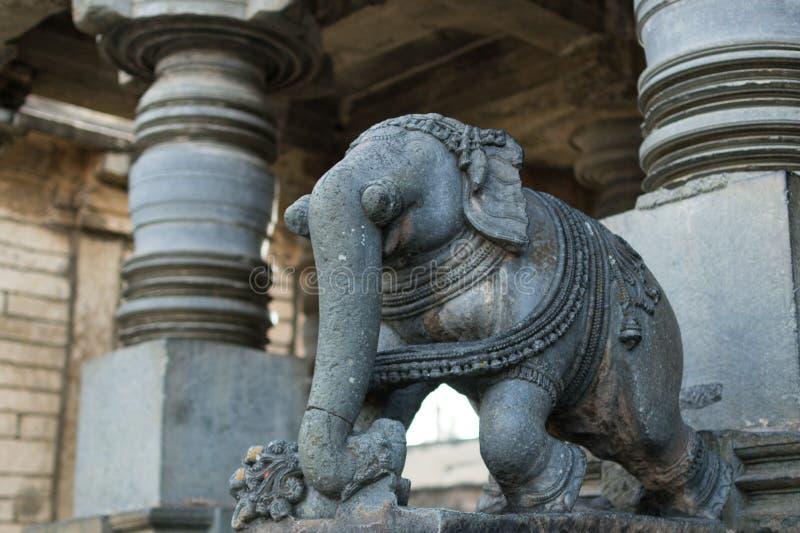 Estatua de piedra del elefante en Beluru, Karnataka, la India fotos de archivo libres de regalías