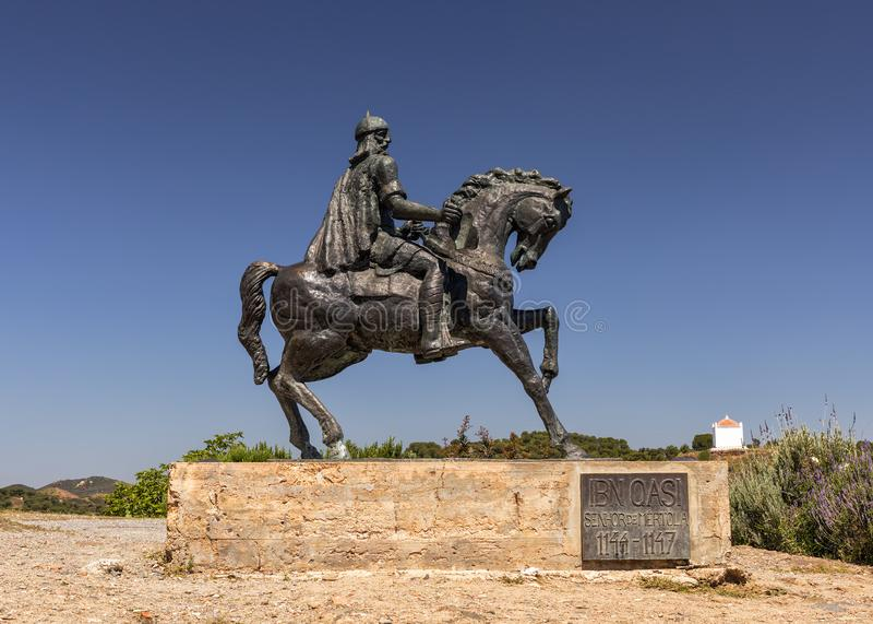 estatua de Qasi del lbn en Mertola, región de Alentejo de Portugal fotografía de archivo