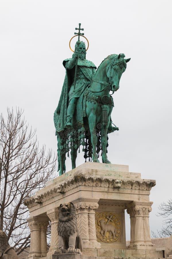 Estatua de rey Saint Stephen en Budapest Hungría imagen de archivo libre de regalías