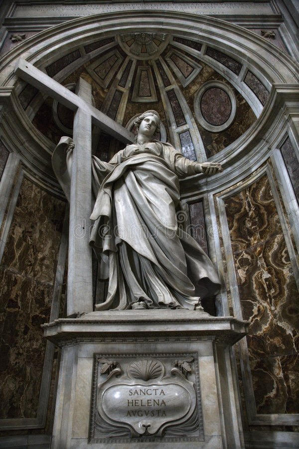 Estatua de Saint Helena dentro de San Pedro. foto de archivo libre de regalías