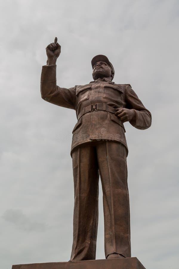 Estatua de Samora Moisés Machel en el cuadrado de la independencia fotos de archivo