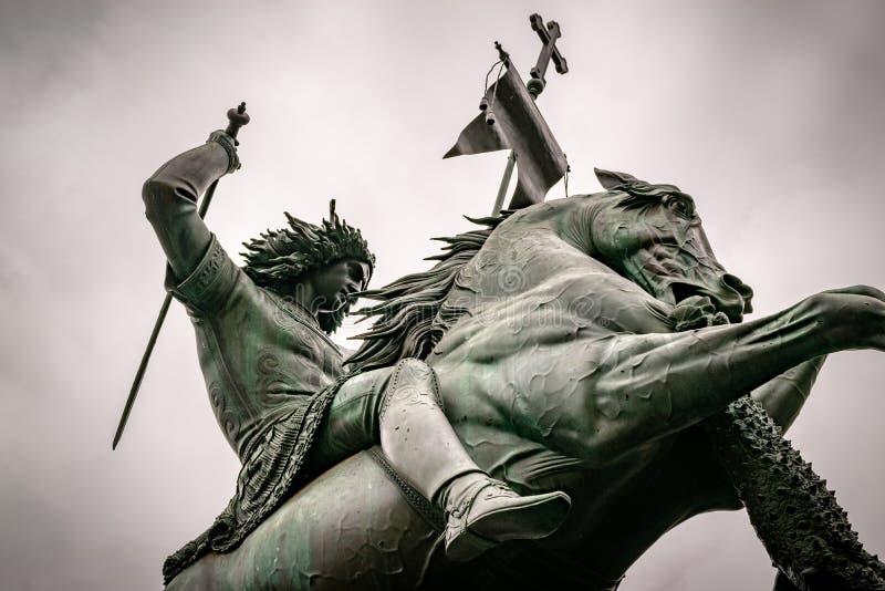 Estatua de San Jorge y el dragón en Berlín foto de archivo