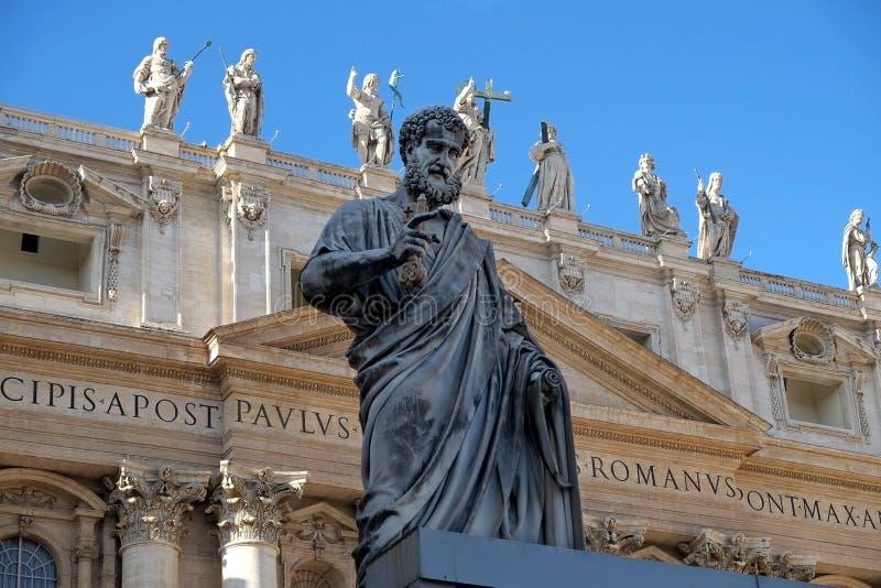 Estatua de San Pedro en Vaticano foto de archivo libre de regalías
