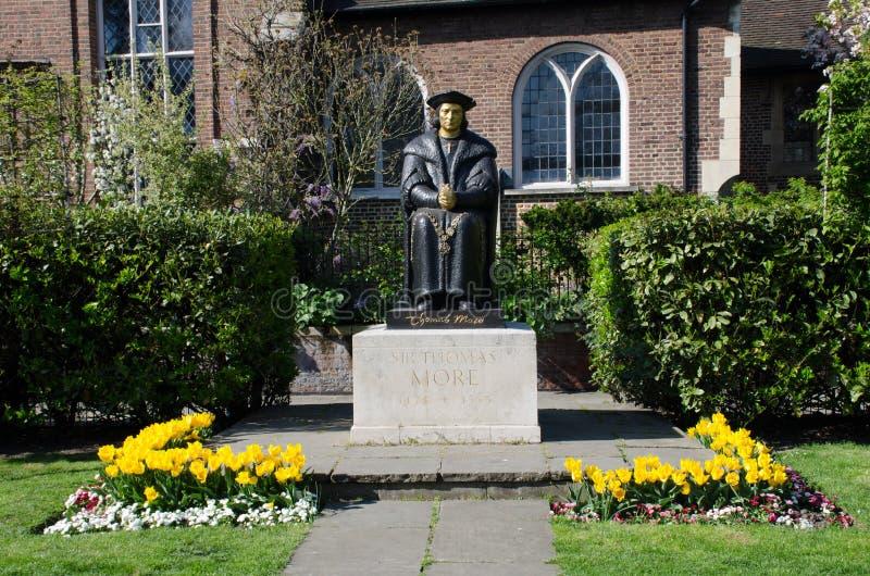 Estatua de Sir Thomas Moore en la iglesia de Chelsea Old imagen de archivo