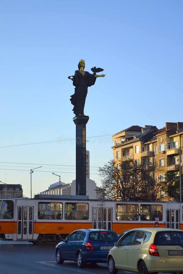 Estatua de Sofía del santo, Bulgaria imagenes de archivo