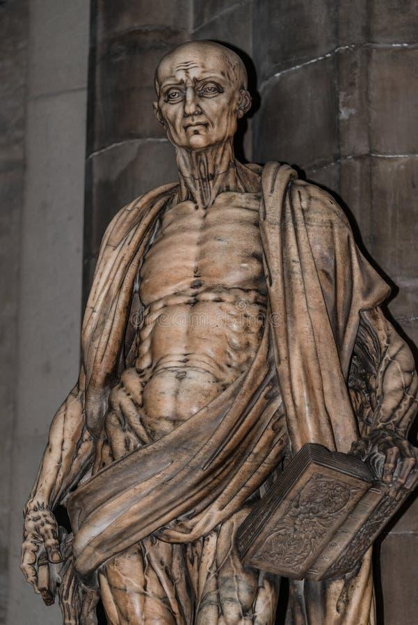 Download Estatua De St Bartholomew En La Catedral De Milano, Duomo, Italia Imagen de archivo - Imagen de mórbido, carrocería: 42425769