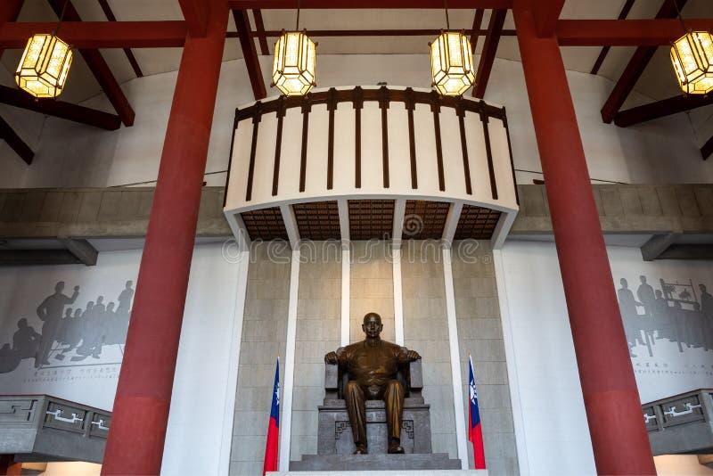 Estatua de Sun Yat-sen en Memorial Hall foto de archivo libre de regalías