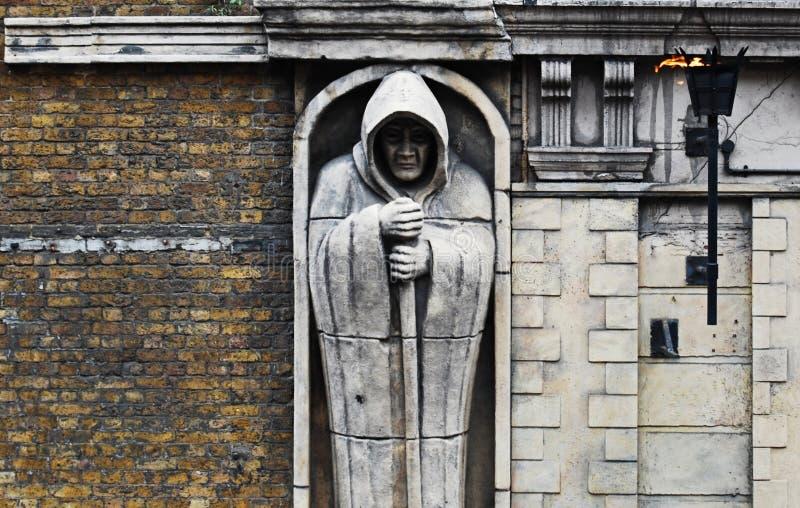 Estatua de susto fuera de la mazmorra de Londres, Londres, Reino Unido imagen de archivo libre de regalías
