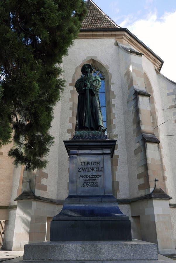 Estatua de Ulrich Zwingli en Zurich foto de archivo