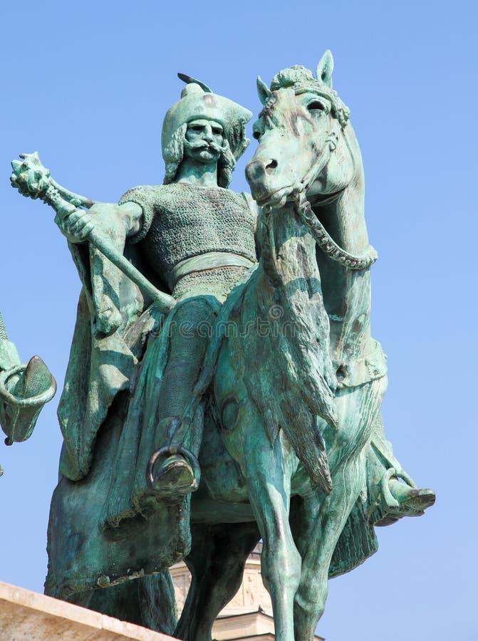 Estatua de un cacique húngaro en Budapest, Hungría fotos de archivo libres de regalías