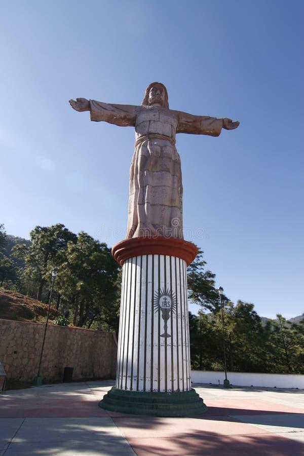 Estatua de un Jesús con las manos abiertas. Taxco, México fotografía de archivo libre de regalías