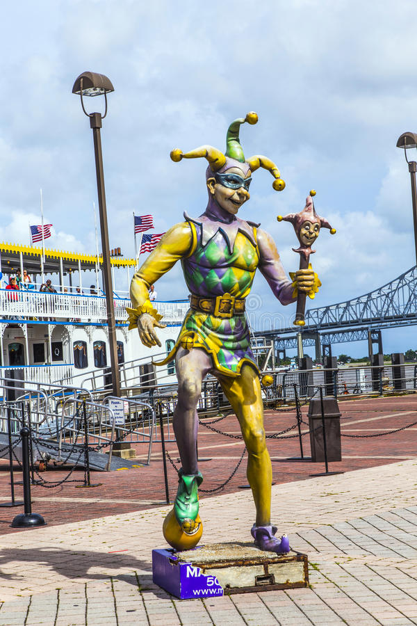 Estatua del arlequín - figura del bufón en el puerto de New Orleans fotografía de archivo libre de regalías