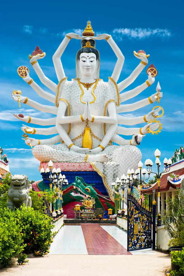 Estatua del Bodhisattva de Buda Cundi de dieciocho brazos imagen de archivo
